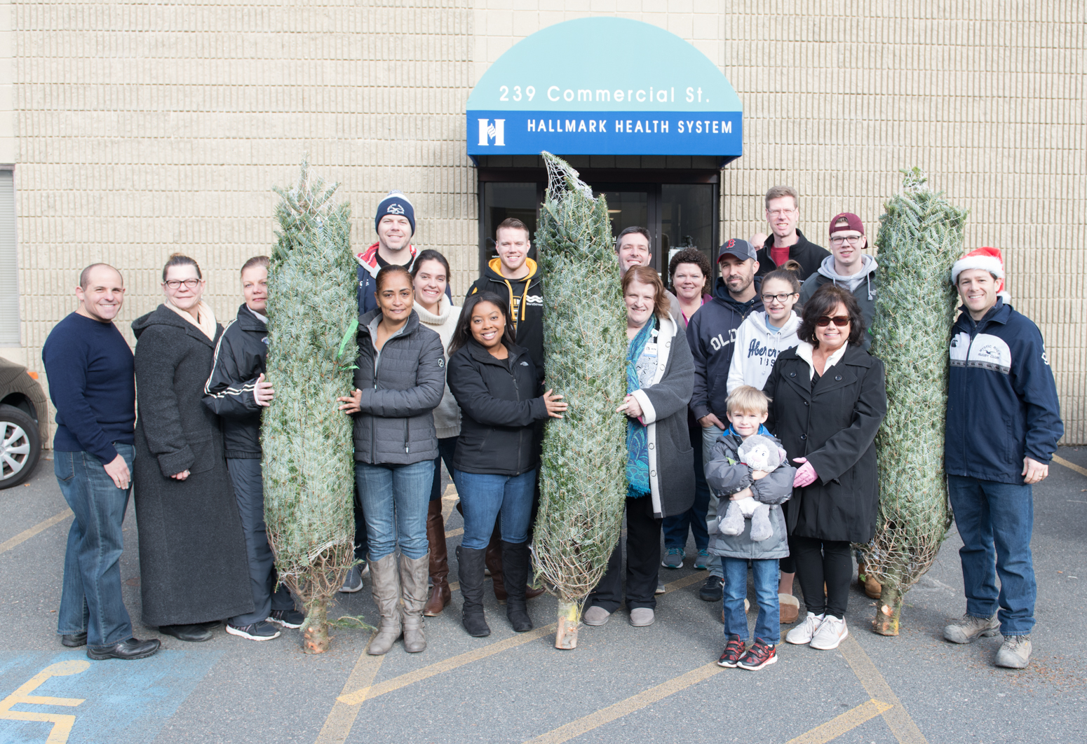 Christmas Tree For Needy Families Highlights Spirit Of The